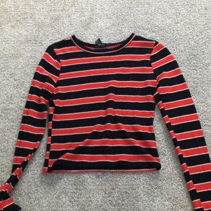 Black white and red stripped long sleeve tee